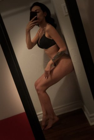 Idoia cougar escorts in North Saanich, BC