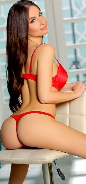 Kaltoum cougar escorts in North Saanich, BC